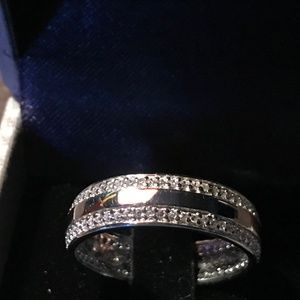 Men's sterling silver wedding band